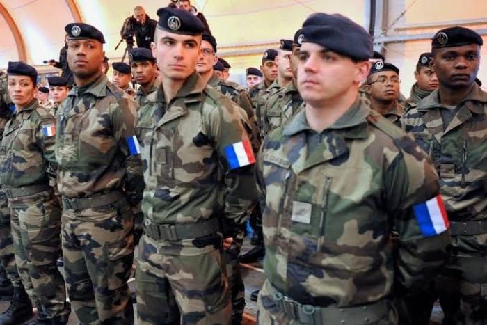 الجيش الفرنسي يعلن مقتل أكثر من 30 متشددا في مالي