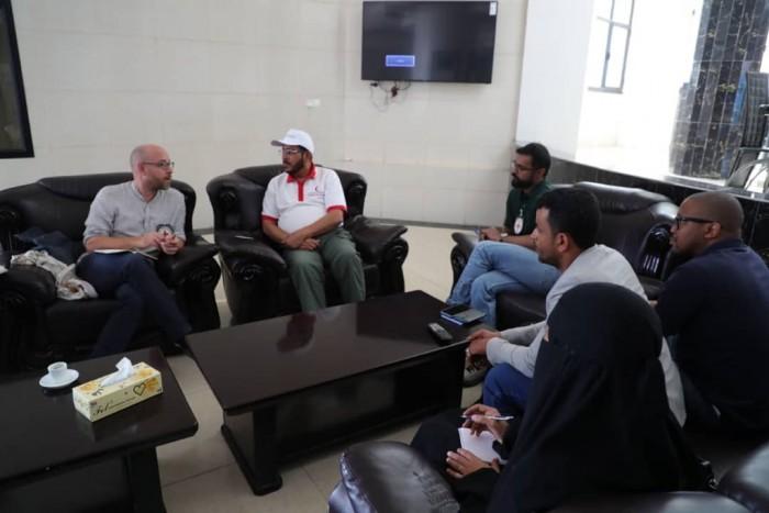 تنسيق بين الهلال الإماراتي والصليب الأحمر في حضرموت