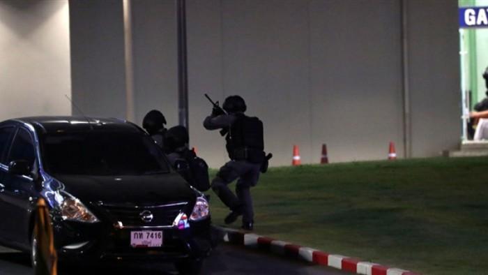 هروب منفذ هجوم المركز التجاري في تايلاند