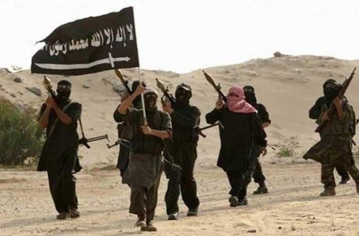 العرب اللندنية: داعش ينافس القاعدة على دور حيوي في اليمن