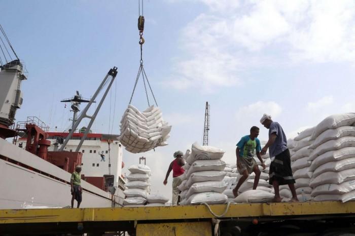 بسبب النهب الحوثي.. واشنطن بوست: أمريكا تدرس تعليق مساعدات اليمن