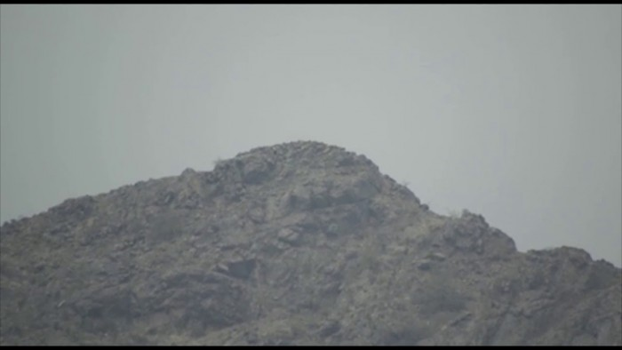 قتلت 5 حوثيين.. مدفعية المشتركة تضرب تمركزات الحوثيين بالبرح