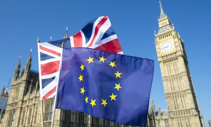 بريطانيا توجه تحذيرًا للشركات المصدرة للاتحاد الأوروبي