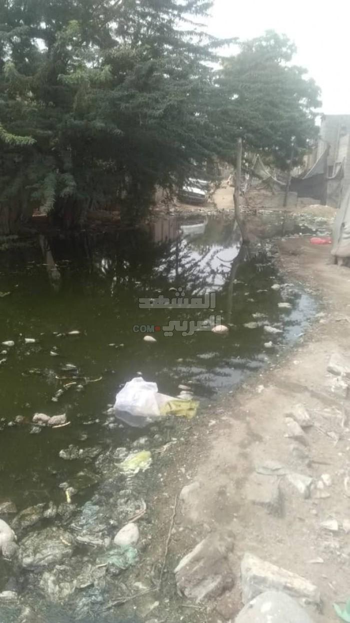 وسط تجاهل المسؤولين.. منطقة الكود تغرق بأزمة الصرف الصحي