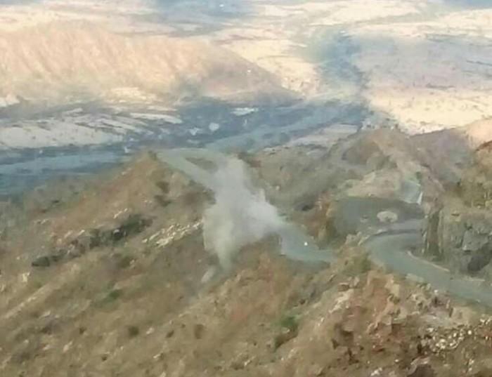 جراء قصف حوثي.. انفجارات قرب جبل ثرة