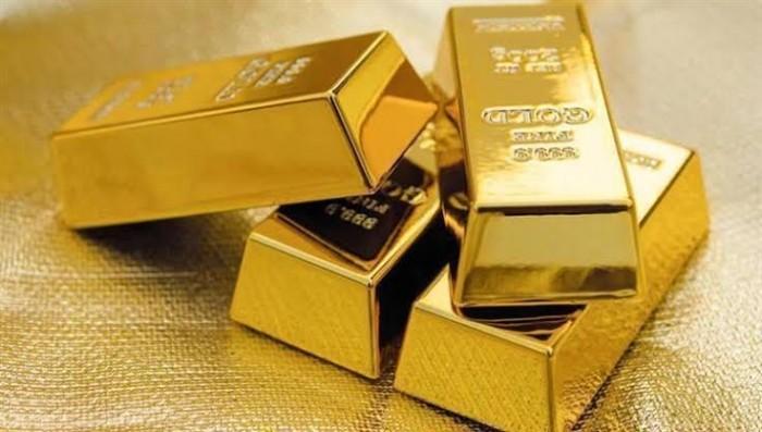الذهب ينخفض بفعل توقعات انتهاء كورونا في إبريل