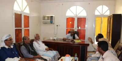مناقشة واقع العمل النقابي بمحافظة حضرموت