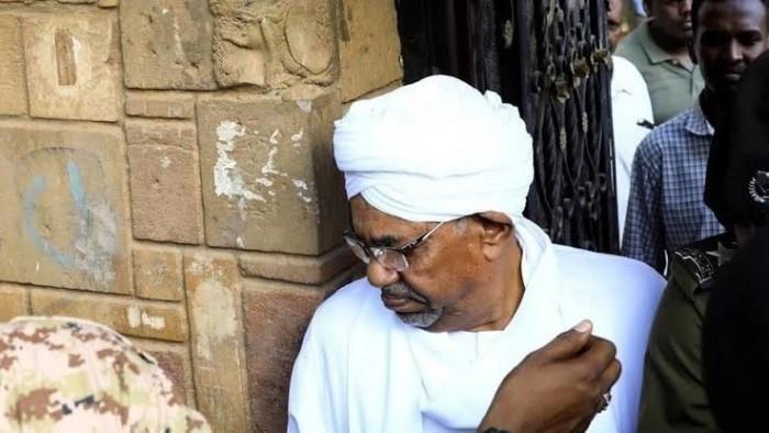 صحيفة فرنسية: البشير أمام الجنائية الدولية بجرائم الحرب في دارفور