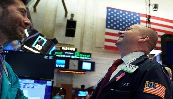 الأسهم الأمريكية تتحدى كورونا.. وداو جونز يقفز بنسبة 0.9%