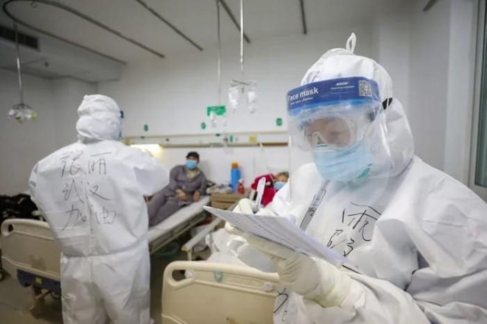 خلال يوم واحد.. الصين تعلن إصابة 15 آلف شخص بفيروس كورونا