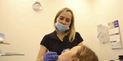 نقص الأقنعة الطبية يهدد بإغلاق عيادات الأسنان ببريطانيا