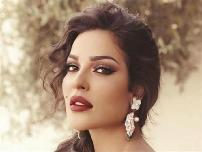 نادين نجيم تهنئ أحلام بعيد ميلادها.. والأخيرة :أجمل قلب