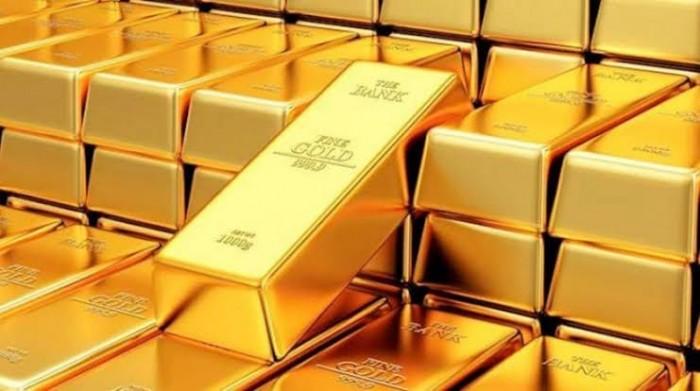 ارتفاع حالات الإصابة بفيروس كورونا تهوى بالذهب إلى 1575.35 دولار للأوقية