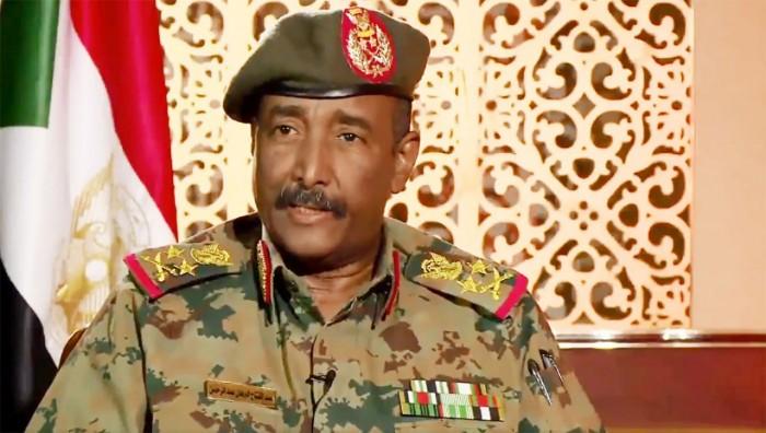 """رئيس """"السيادي السوداني"""": وجودنا في اليمن مرهون بالحل السياسي"""