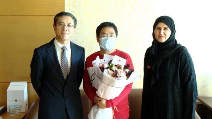 """عقب شفاء ثلاث مصابين من """"كورونا"""".. القنصل الصيني يشيد بالتقدم الطبي في الإمارات"""
