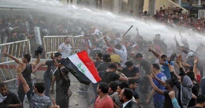 بغداد.. قوة مجهولة تقتحم ساحة الخلاني وتحرق خيام المعتصمين