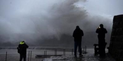 دينيس تدخل بريطانيا.. وتحذيرات من حدوث فيضانات