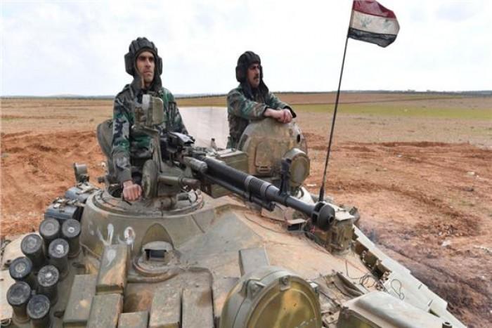 بقذائف مدفعية.. الجيش السوري يستهدف نقطة تركية بحلب