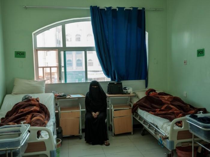 علاج 66 ألف مريض بمستشفى الأم والطفل في تعز