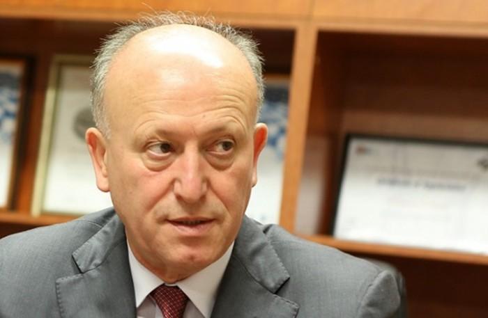 ريفي يُطالب إيران برفع أيديها عن لبنان