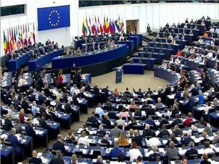 عاجل.. الاتحاد الأوروبي يوافق على بعثة لمراقبة حظر السلاح في ليبيا