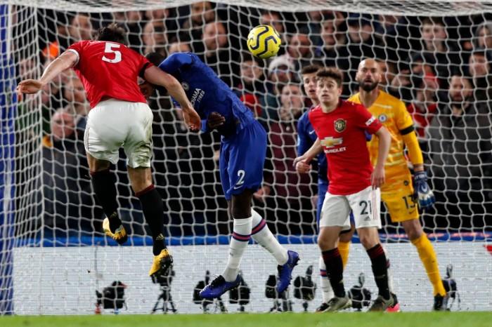مانشستر يونايتد يخطف فوز هام على حساب تشيلسي