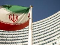 """""""الرياض"""": الشعب الإيراني تضرر من سياسات نظامه الداخلية والخارجية"""
