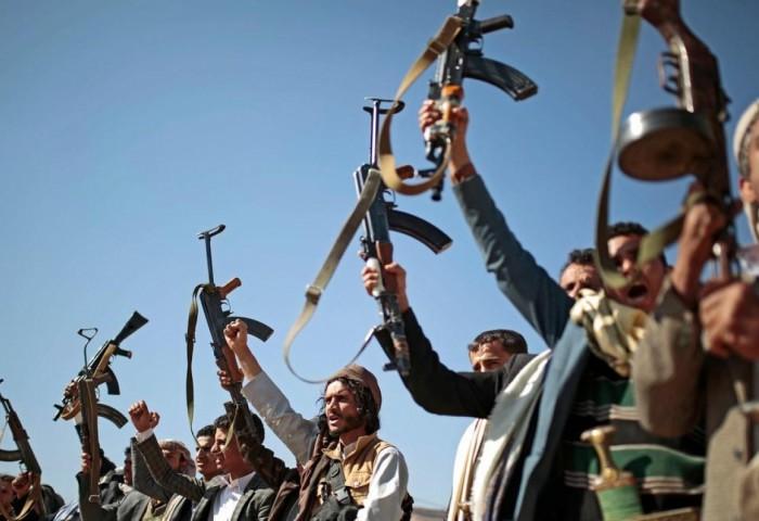 الاحتضان الإيراني للحوثيين.. دعمٌ مشبوه يُطيل أمد الحرب