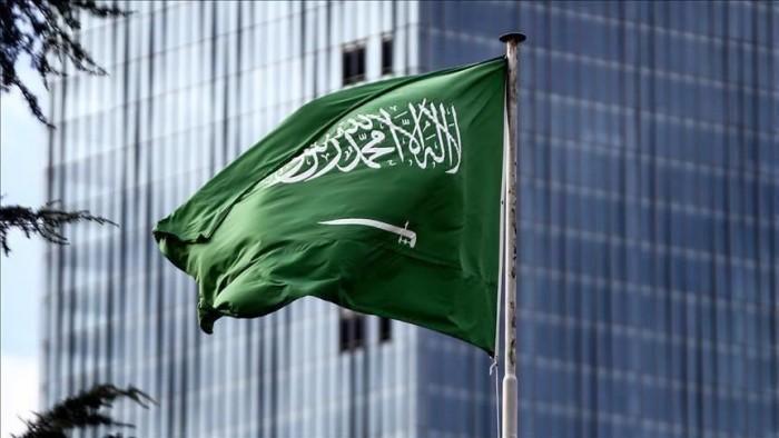 كاتب لـ دول الشر: السعودية وشعبها خط أحمر