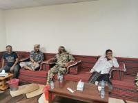 """""""العمالقة"""" و""""المقاومة الوطنية"""" يبحثان خروقات الحوثي"""