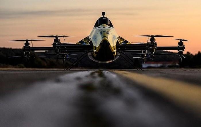 """""""درون"""" أكروباتية.. كرواتيا تبتكر أول طائرة في العالم بمقعد طيار"""