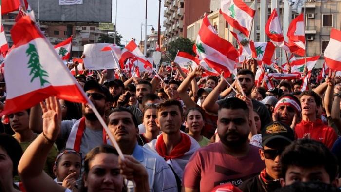 صحفي: الطبقة السياسية هي أساس المشكلة في لبنان