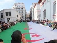 الرئيس الجزائري يعلن تاريخ بدء الحراك يومًا وطنيًا