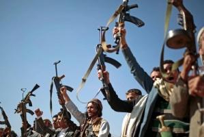 """""""7 شحنات أسلحة"""".. إيران تُطيل أمد الحرب الحوثية"""