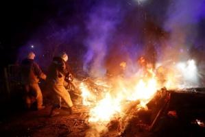 مظاهرات حاشدة بقرية أوكرانية بسبب كورونا