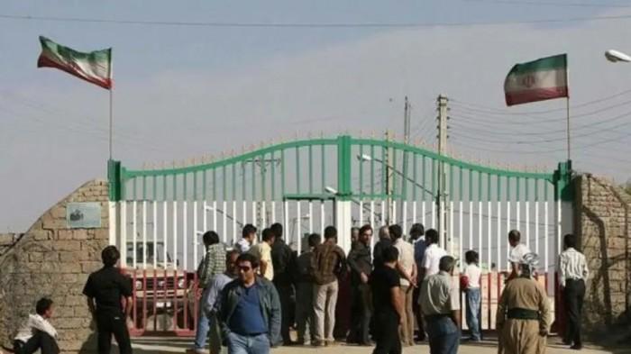 إيران: إصابة 13 شخصا بفيروس كورونا توفي منهم اثنان