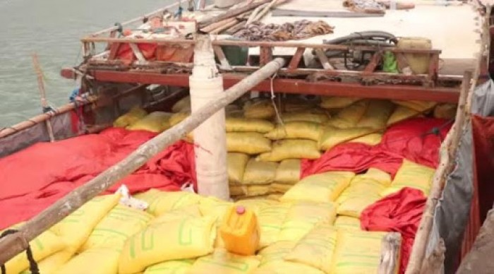 قبل وصولها للحوثي.. تفاصيل ضبط 200 طن مواد لصناعة المتفجرات