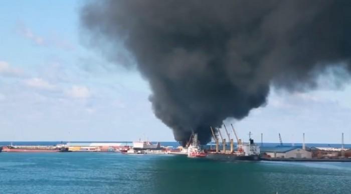 مقتل 3 عسكريين أتراك كبار ومترجمهم السوري في قصف للجيش الليبى بميناء طرابلس