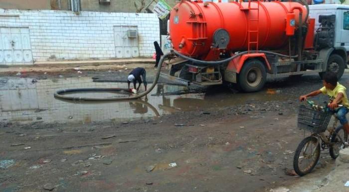 """الصرف الصحي يحاصر """"المنصورة"""" في غياب الحلول"""