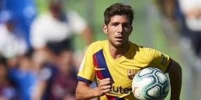 الإصابة تبعد سيرجي روبيرتو عن برشلونة أمام نابولي والريال
