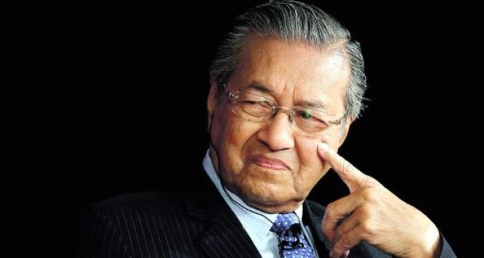 عاجل.. رئيس الوزراء الماليزي مهاتير محمد يقدم استقالته