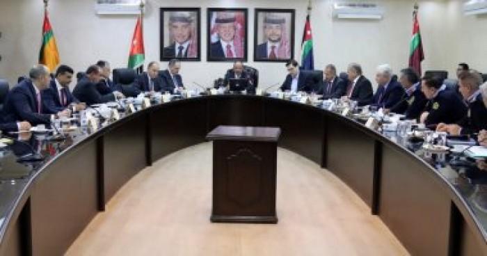 وزير الداخلية الأردني يناقش العمر التشغيلي لوسائط النقل العام