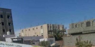 بسب الهلال الإماراتي..مليشيات الإخوان تعبث بمحتويات مستشفى عتق
