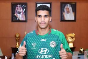 الغامدي لاعب الاتفاق السعودي في رحلة علاج بباريس