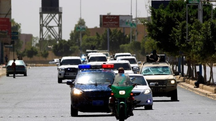 سيارات الحوثي الفارهة.. وجه آخر لمأساة اليمن