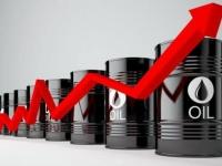 عقب انخفاضه لثلاث جلسات.. النفط يعوض خسائره ويصعد 6%