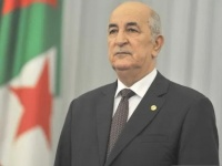 الرئيس الجزائري يصل السعودية في أول زيارة له لدولة عربية