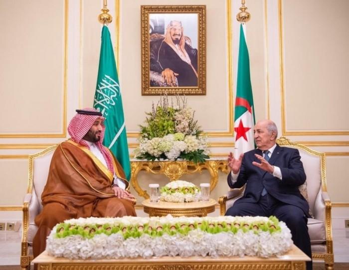 ولي العهد السعودي يجتمع مع رئيس الجزائر عبد المجيد تبون (صور)
