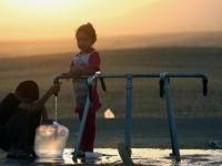 مياه عدن.. صنابير الشرعية التي تدر أمراضًا قاتلة