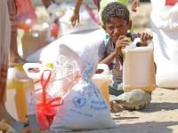 توابع نهب المساعدات.. إرهاب حوثي يفاقم المأساة الإنسانية